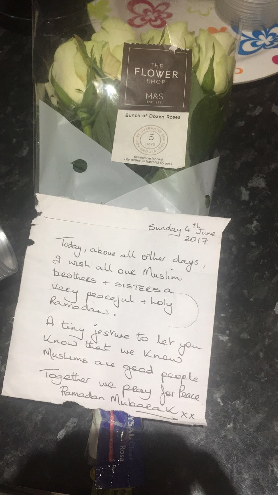 A Non-Muslim leaves a heart-felt letter to the London Colney Islamic Centre in Hertfordshire, UK