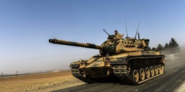 Qatar crisis: Turkish parliament approves troop deployment