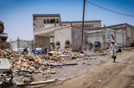 Omani government trying to avoid becoming the next Yemen